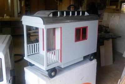 Willi-Wood Zirkuswagen Grau Hundehütte aus Holz