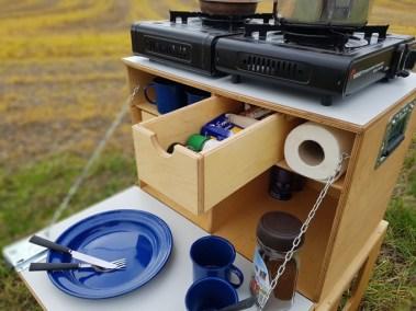 WILLI-WOOD Chuck-Box mit offener Schublade