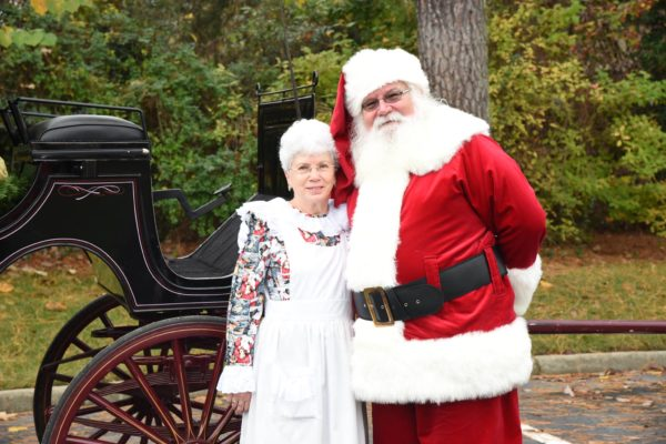santa and mrs claus yankee candle
