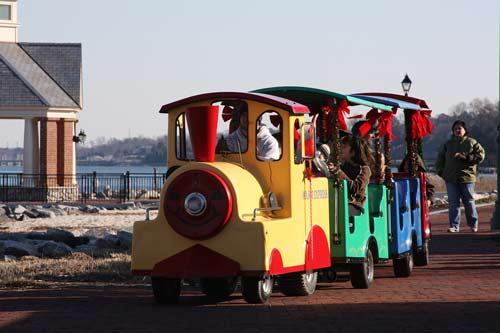 Toyland-Parade-Train