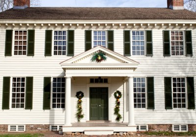decorating colonial williamsburg christmas