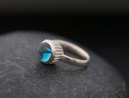 blue cupcake design ring in silver