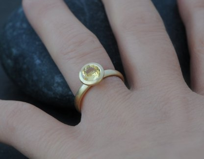 yellow sapphire solitaire ring in 18 K gold