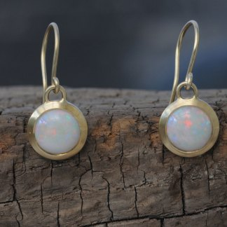 opal-8mm-cabs18K-y-gold-earrings