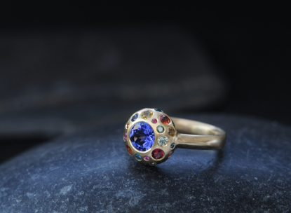 tanzanite-button-ring-with-multi-coloured-sapphires-in-18K-y-gold