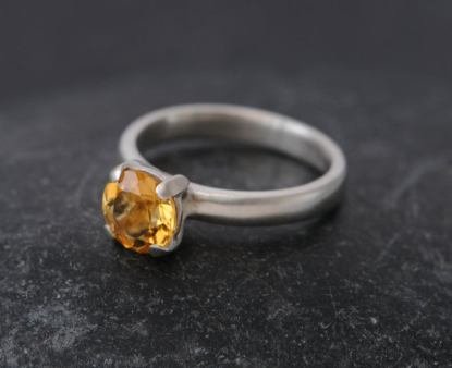 citrine 7mm claw ring silver