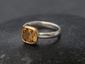 citrine 8mm cushion ring in 18K gold and silver