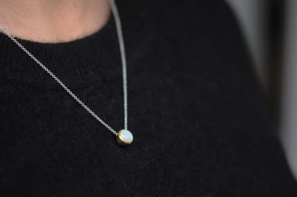 7mm opal necklace in 18K gold