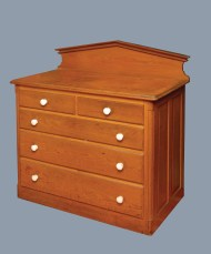 Lot 38: Chest of Drawers