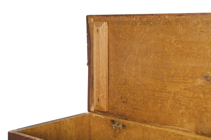 Lot 53: Storage Box