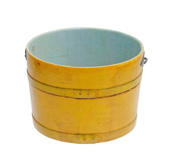 Lot 11: Lidded Pail