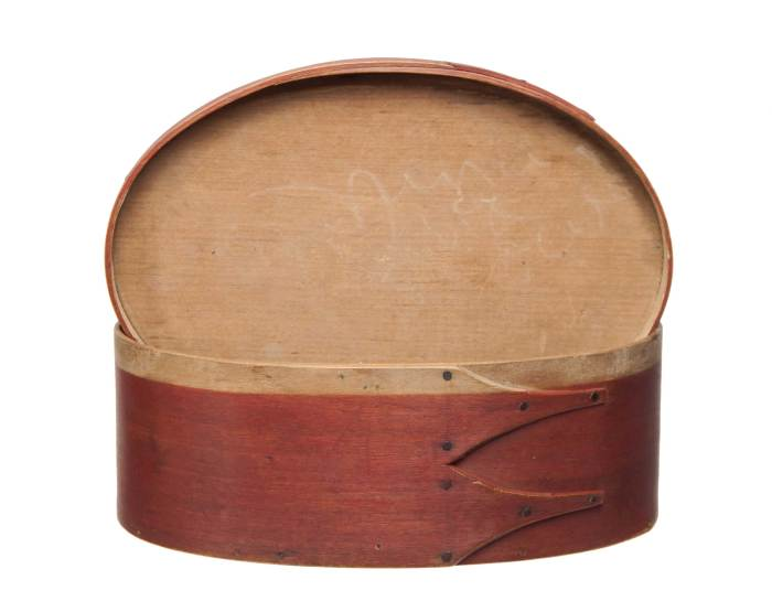 Lot 128: Oval Box
