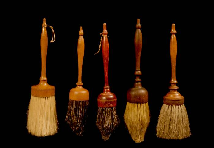 Lot 23: Five Brushes