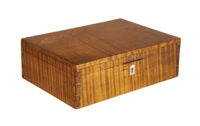 Lot 83: Rectangular Work Box