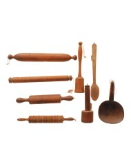 Lot 138: Woodenware