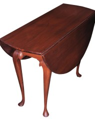 Lot 140: Queen Anne Dining Table