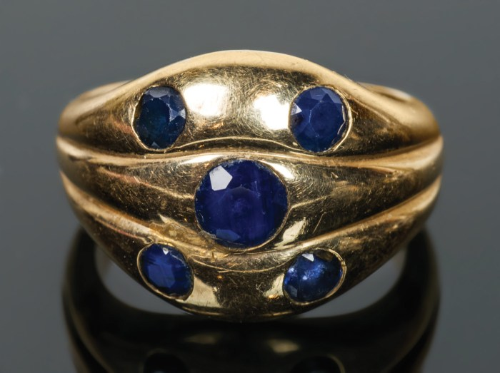Gold Ring with Topaz