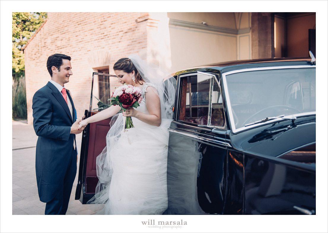 Ramo de novia en tonos burdeos y rosas para el día de su boda