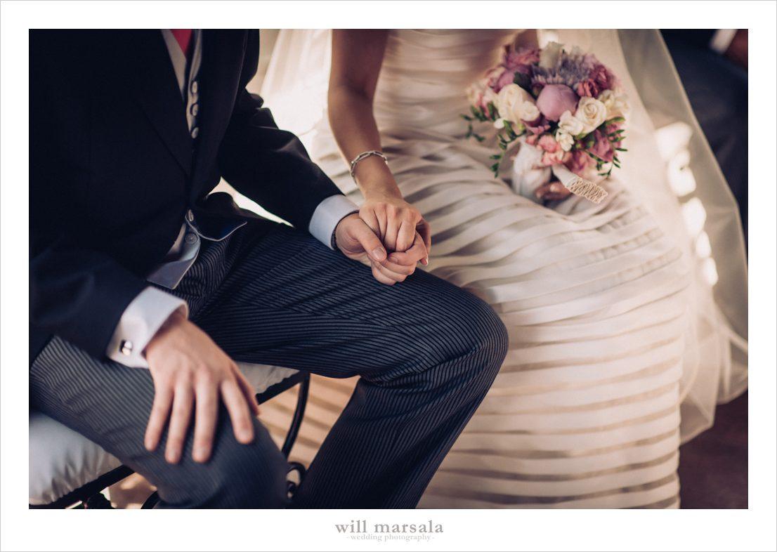 Ramo de novia en tonos blancos, morados y rosas