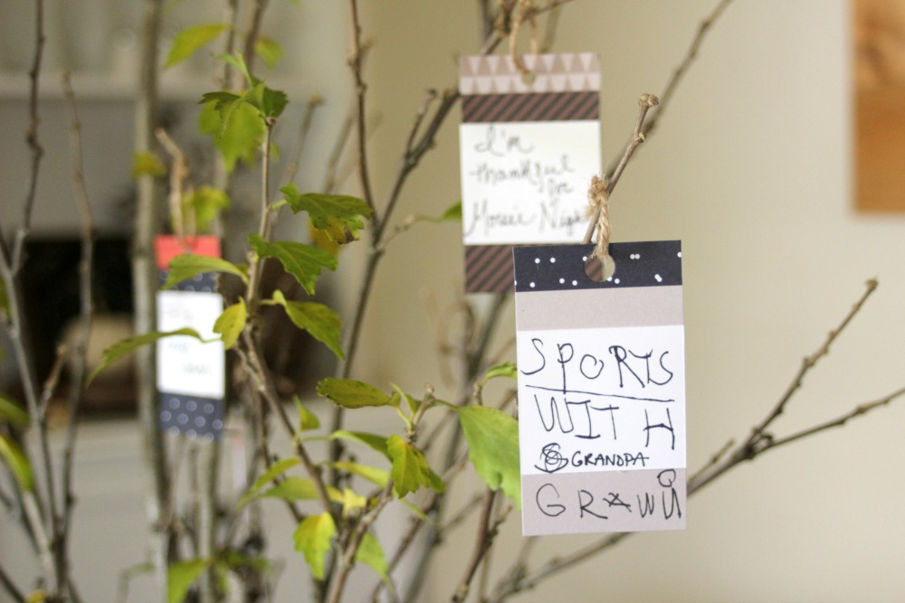 Create a new tradition and show gratitude with a thankful tree this season.