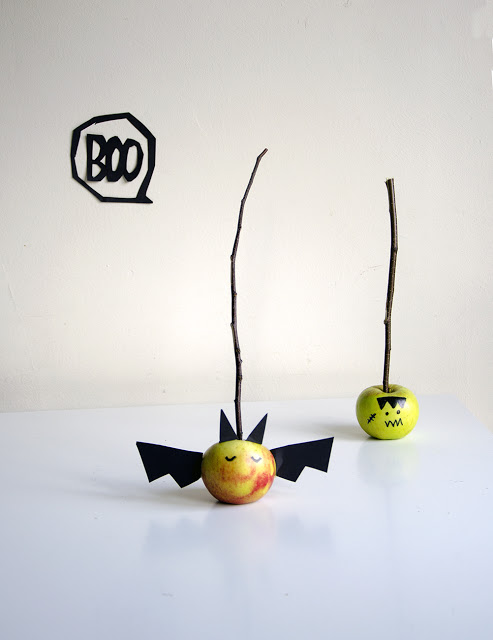 15-oct-apples-on-sticks_1000