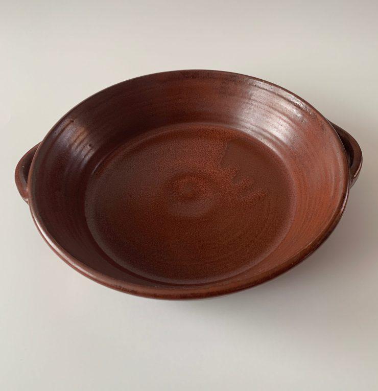 Baking dish with handles