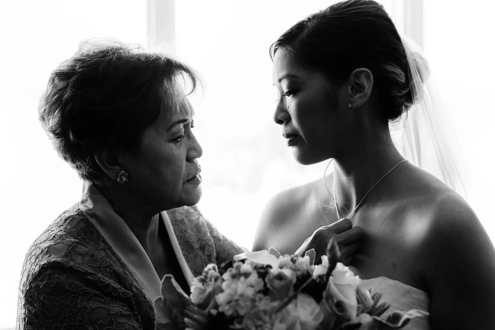 mother-daughter-wedding-photo