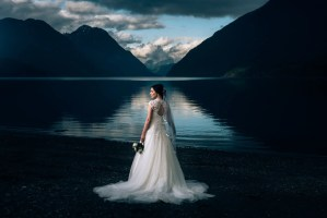 bride in front of mountains in golden ears park