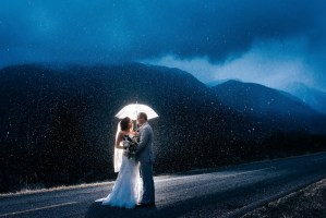 wedding photos in rain