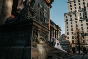 wedding at vancouver art gallery