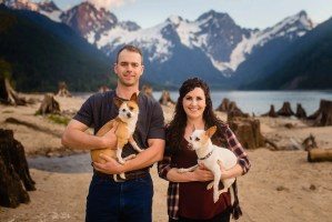 005 - engagement photos with dogs