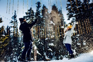 011 - snow ball fight engagement photos