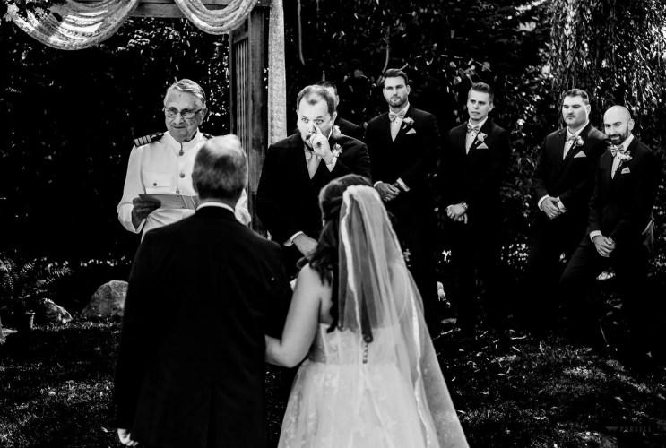 018 - groom first look secret garden