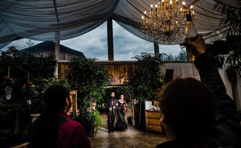 018 - woodbridge ponds wedding photo
