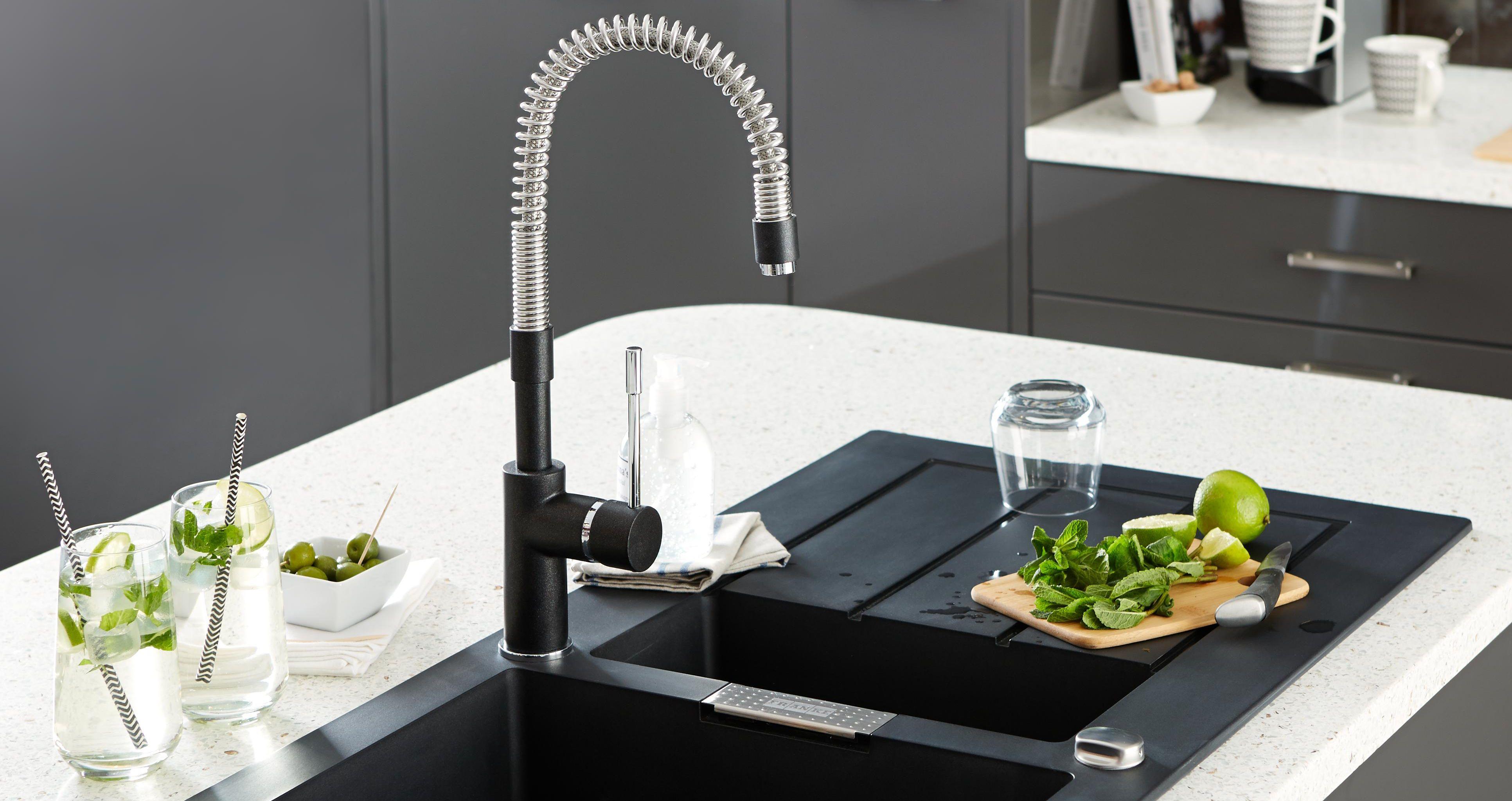 Kitchen Faucet Position