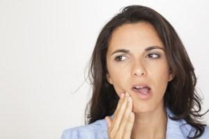 abscesso dentário sinais