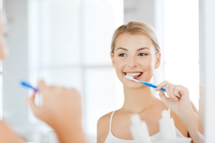 escovar os dentes higiene bucal