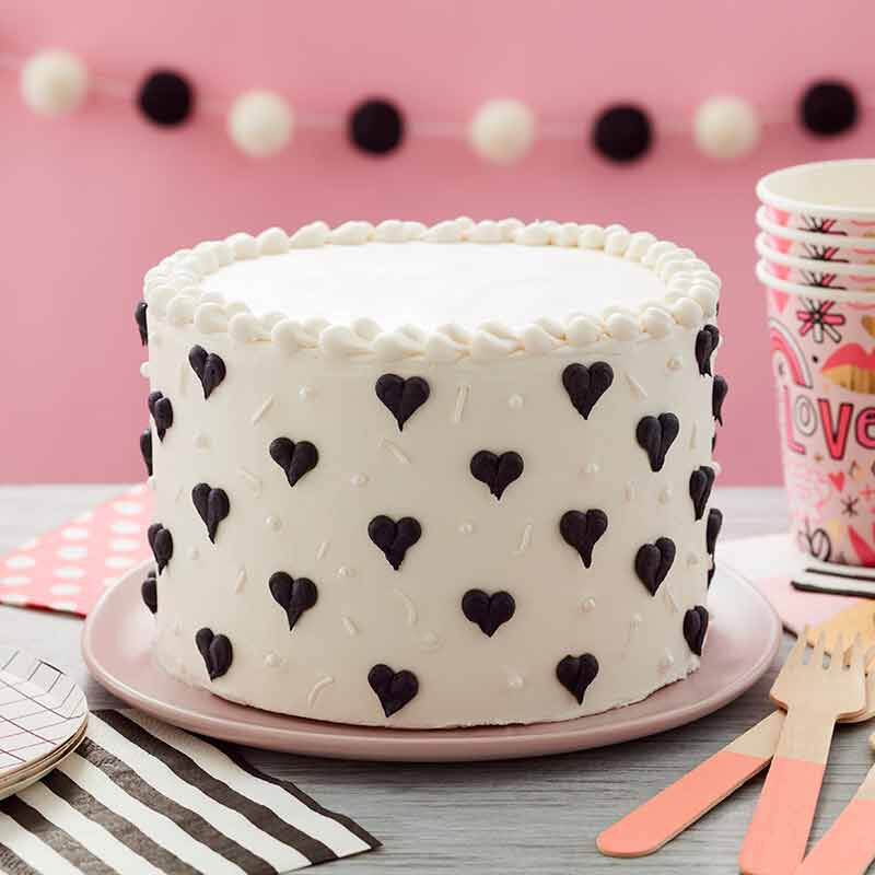See more ideas about cake, cupcake cakes, cake designs. Black And White Heart Cake