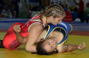 Helen Maroulis pinned Battsetseg Altantsetseg (Mongolia) to reach the semifinals. (Bob Mayeri image)