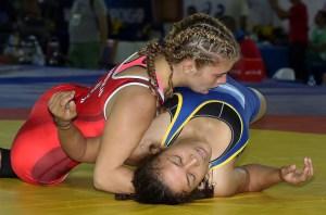 Helen Maroulis pinned Battsetseg Altantsetseg (Mongolia) to reach the semifinals. (Bob Mayeri image)
