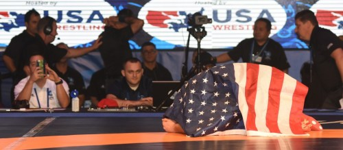 snyder praying under flag