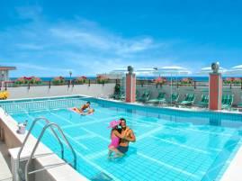 hotel-nelson-piscina