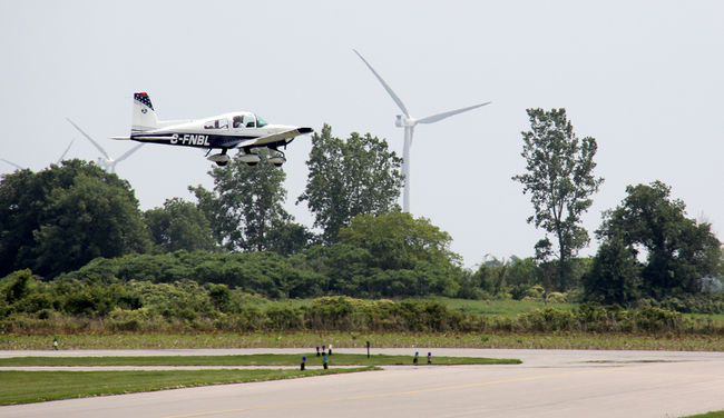 "A small plane lands at the Chatham-Kent airport. ""Reduced"" safety at Collingwood"