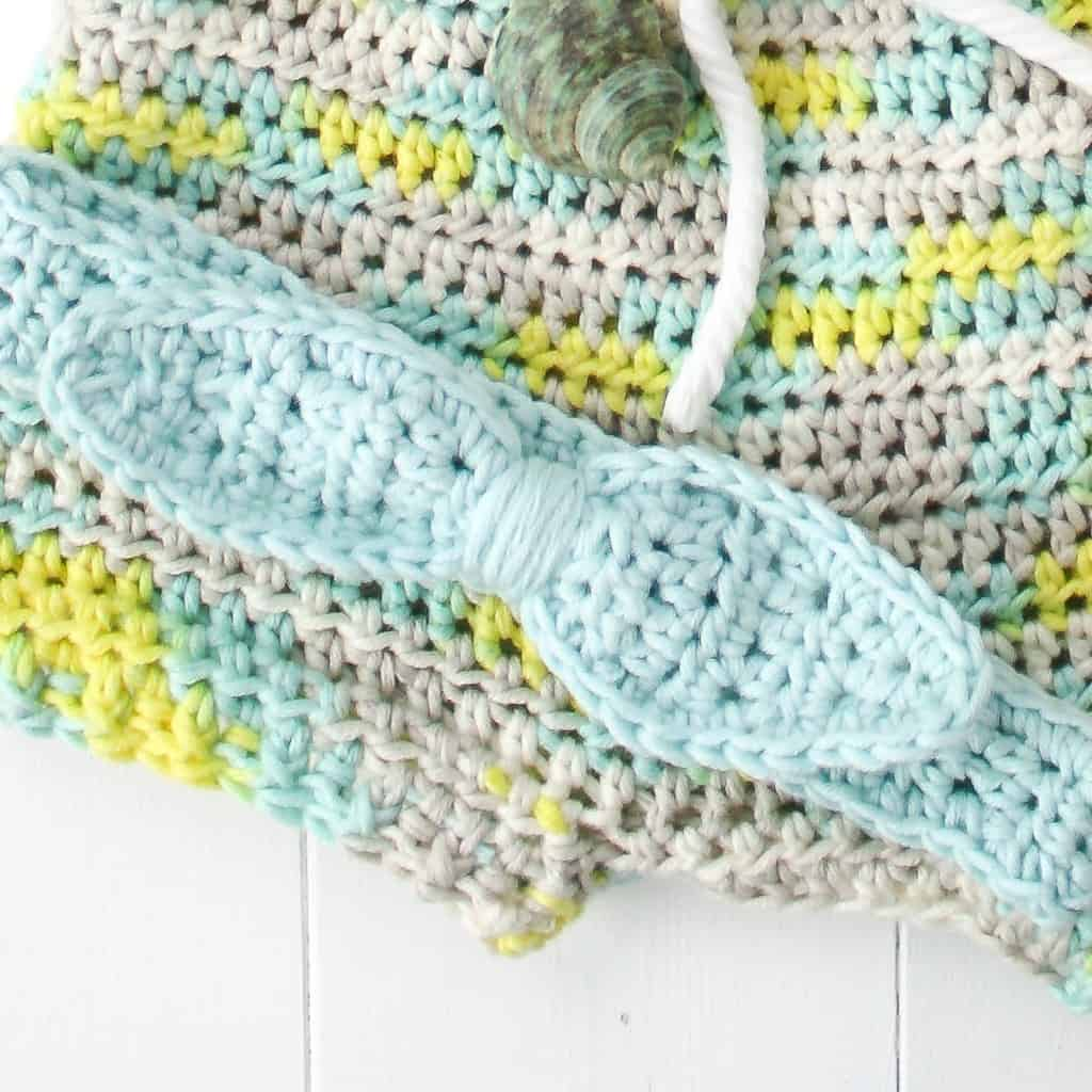 The front post and back post crochet stitch is used to create beautiful textures such as ribbing, basket weave, and cables.
