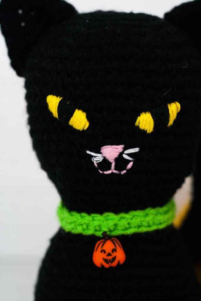 This crochet cat pattern uses basic amigurumi techniques. Free crochet pattern by Winding Road Crochet. Video tutorial coming soon. #crochetcat #amigurumi