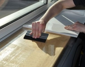 Easy-clean gloss laminate