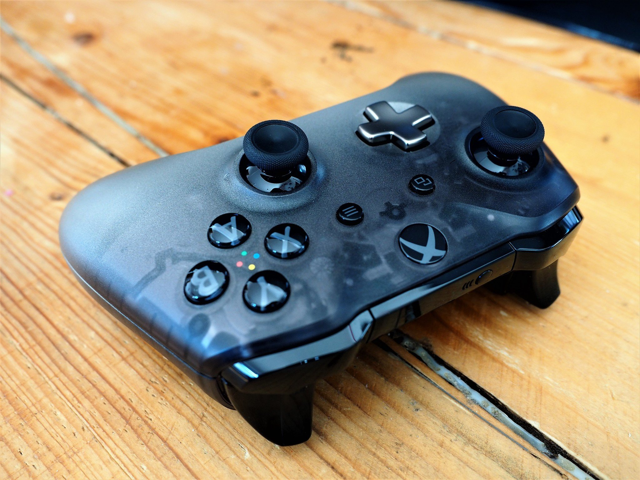 Phantom Black Xbox Controller Review Microsofts Sexiest