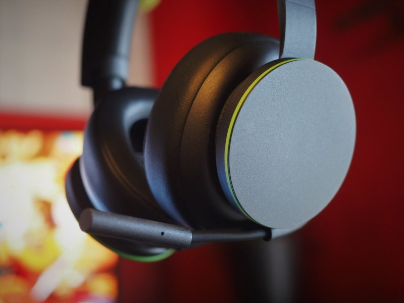 Official Xbox Wireless Headset Review Shots