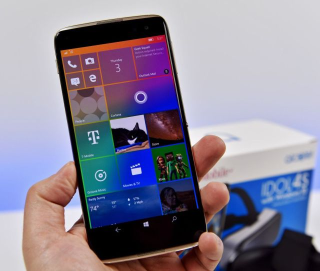 There Are No New Phones And In The Next Year Microsoft Will Abandon The Platform Altogether If You Must However