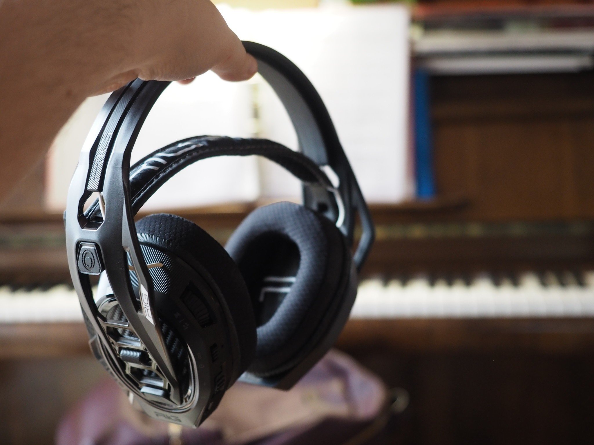plantronics rig 800lx headset review no nonsense wireless audio for xbox and pc [ 1600 x 1200 Pixel ]